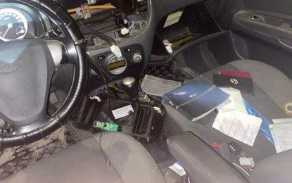 Gracias a la colaboración ciudadana la Policía Local sorprende y detiene a un hombre robando en el interior de un vehículo