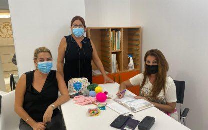 Turismo mantiene su colaboración con el colectivo de mujeres tejedoras de crochet para engalanar la ciudad