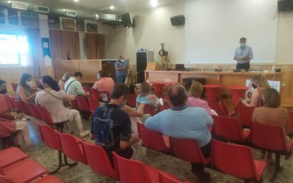 El concejal de Educación y las direcciones de centros de Infantil y Primaria se coordinan para el inicio del curso escolar