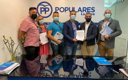 El PP firma acuerdo de cooperación con el SUP Cádiz para solucionar la falta de material en la Comisaría de La Línea