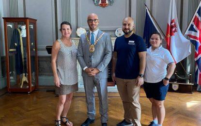 El Alcalde Christian Santos abre el Ayuntamiento de Gibraltar a visitas turísticas